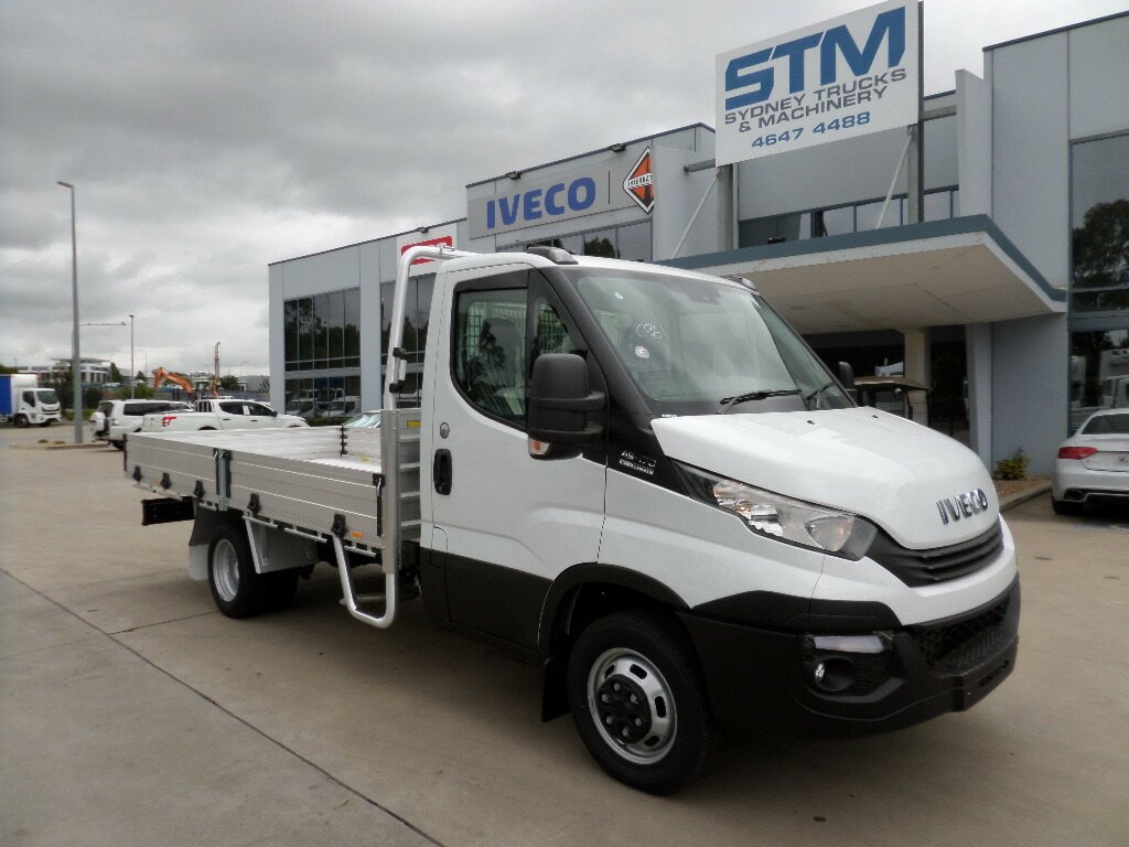 2019 IVECO DAILY DAILY TRAY