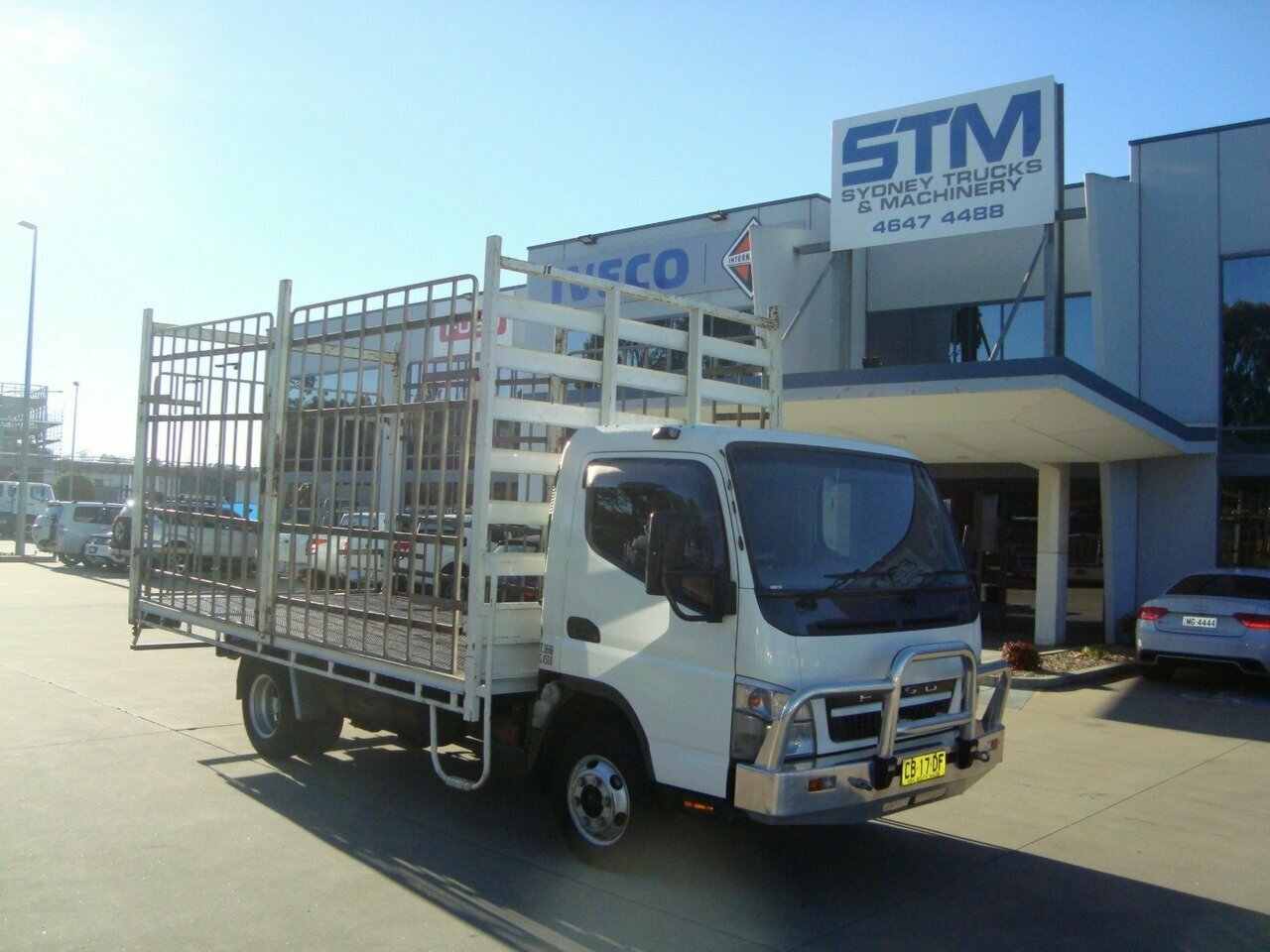 2010 FUSO CANTER FE84 2DR-ST/TRAY