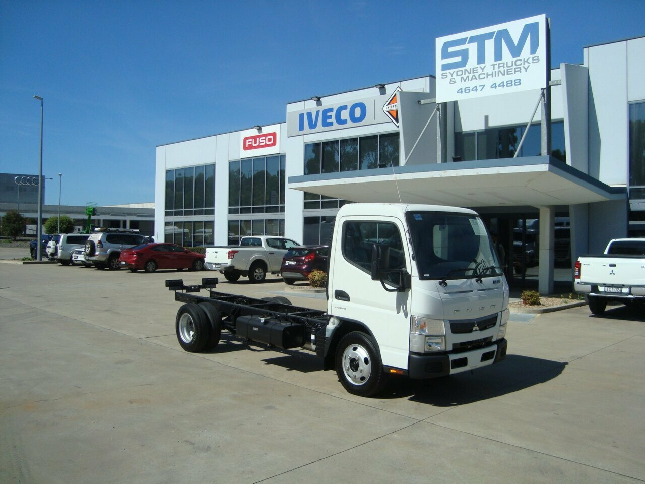 2019 FUSO CANTER 515N  CAB CHASSIS